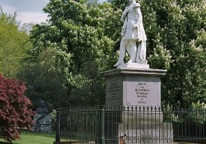 600px-Overzicht_standbeeld_Willem_II_-_Arnhem_-_20362370_-_RCE